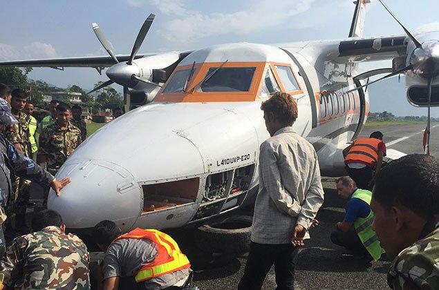 पोखरामा विमान दुर्घटना