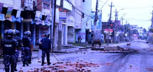5 die in clashes with police